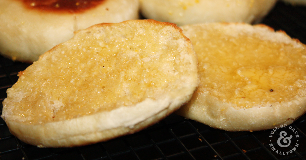 sourdough-english-muffins_full-of-days_1200-x-630